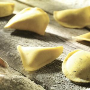 Tortellini, tortelloni, ravioli: le infinite varietà della pasta ripiena